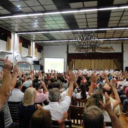 Mais de 480 cooperados participaram da Assembleia Geral Ordinária da Coope...