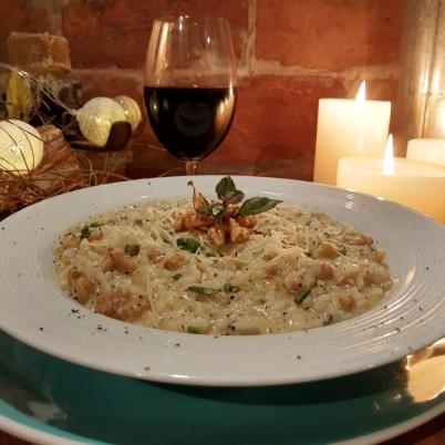 Risoto de gorgonzola com nozes